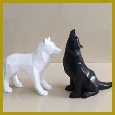 New Products Black and White Wolf Figurine Simple Geometric Origami Animal Sculpture Home Decoration