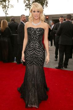 Carrie Underwood en un look de Roberto Cavalli.