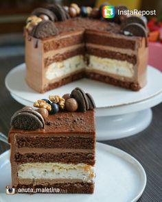 Шоколадный бисквит, шоколадный крем, хрустящая меренга с орехом