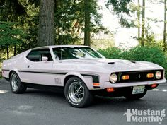 1971 Ford Mustang Mach 1 Specs, Collectibility - My list of the best classic cars Mustang Mach 1, 1971 Ford Mustang, Mustang Boss, Car Ford, Ford Gt, Mustang Fastback, Classic Mustang, Ford Classic Cars, Best Classic Cars