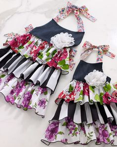 Coordinating mother/daughter aprons...I LOVE these!!