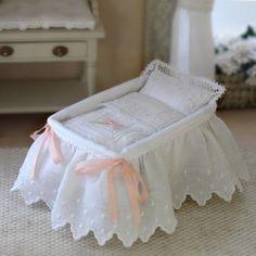 Baby Doll Nursery, Baby Bedroom, Baby Dolls, Baby Afghan Crochet, Baby Afghans, Miniature Furniture, Dollhouse Furniture, Green Bed Sheets, Barbie Bebe