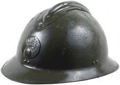 Un Casque Adrian de l'Armée de terre française de la Seconde Guerre mondiale / WWII-era French Army adrian helmet