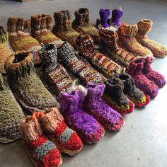 Pantuflas traídas directamente de la isla de Chiloé!!! #labazart #handmade #houseshoes #kidsfashion #invierno #christamasmood #poblenoushopping #barcelonashooping #madeinchile #chiloé Leg Warmers, Winter, Instagram Posts, Slipper, Islands, Leg Warmers Outfit, Winter Time, Winter Fashion