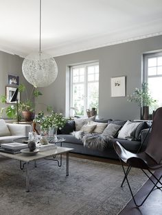 The Chronicles Of Most Popular Small Modern Living Room Design Ideas For 2019 224 - Pecansthomedecor Chic Living Room, Living Room With Fireplace, Living Room Modern, Living Room Designs, Living Room Decor, Living Spaces, City Living, Decor Inspiration, Home Decor Bedroom
