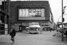 Royal Palast in der Tauentzienstrasse 9 (Kinobetrieb 1965 bis 2004)abgerissen Kino Berlin, This Is Us Movie, The Second City, West Berlin, Walled City, East Germany, Cold War, Places To Travel, The Past