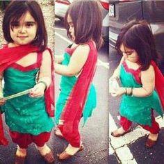 . Frocks For Girls, Little Girl Dresses, Baby Dresses, Girls Dresses, Kids Indian Wear, Kids Dress Wear, Kids Wear, Kids Dress Patterns, Baby Dress Design