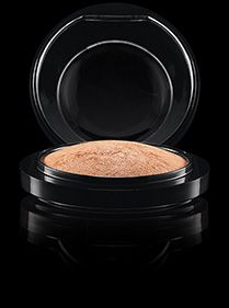 MAC Cosmetics: Mineralize Skinfinish in Global Glow Featured in: Wearable Orange - A Summer Trend Makeup Tutorial Featured In: Top Favorite Highlighters