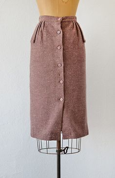 Informations About Shop Feminine Timeless French Style Inspired By Vintage Clothing Pin You can easi Vintage Outfits, Vintage Pants, Vintage Skirt, Vintage Dresses, Vintage Clothing, Vintage Inspired Fashion, Retro Fashion, Vintage Fashion, Plaid Fashion