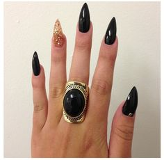 Mine currently look like this but in a pale pink.... Maybe I need to go to black again... Stiletto Nails –