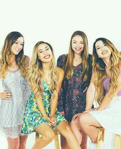 ♛(left to right) Alisha Marie, Eva Gutowski (MyLifeAsEva), Meredith Foster, and Mia Stammer♛