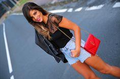 trendy_taste-look-outfit-street_style-ootd-blog-blogger-fashion_spain-moda_españa-denim_shorts-shorts_vaqueros-chaqueta_cuero-leather_jacket-ysl-saint_laurent-8