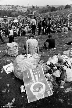 The images perfectly capture the zeitgeist, the music, the drugs, the people, the sheer hedonism; the enduring legacy of the most famous festival ever❤❤❤