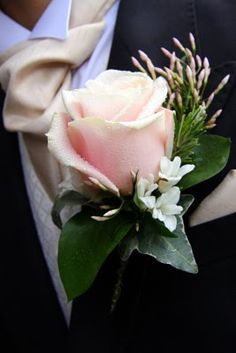 Flower Design Buttonhole & Corsage Blog: Sweet Avalanche Rose Boutonniere