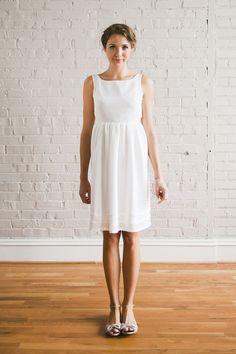 Propuesta vestido novia premamá corto.