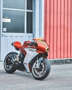 MV Agusta SuperVeloce You are in the right place about Racing Bikes vintage Here we offer you the mo Indian Motorcycles, Triumph Motorcycles, Concept Motorcycles, Cool Motorcycles, Mv Agusta, Custom Baggers, Custom Bagger Parts, Bobber, Motocross