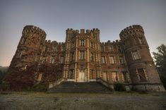 Abandoned Castle Moulbaix in Belgium