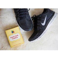 Sin mal olor: Después de hacer deporte, tus zapatillas suelen coger malos olores. Déjalas reposar toda la noche con bicarbonato sódico dentro y verás cómo se acaba el problema.
