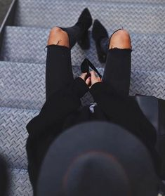 all black outfit idea