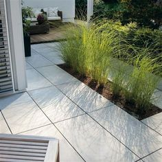 MASSIMO light terrace tiles for large outdoor areas by Klostermann Dronten - # Exterior surfaces Outdoor Pavers, Outdoor Tiles, Concrete Patio, Little Gardens, Back Gardens, Outdoor Gardens, Backyard Garden Design, Garden Pool, Modern Landscaping