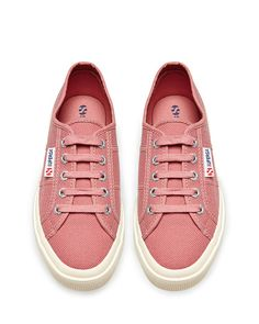 I own these in sunflower yellow, they r the Italian converse!! Quite expensive but u can find it on sale