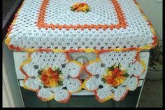 Discover recipes, home ideas, style inspiration and other ideas to try. Crochet Flower Patterns, Crochet Art, Crochet Crafts, Crochet Doilies, Crochet Flowers, Crochet Projects, Hobbies And Crafts, Diy And Crafts, Crochet Kitchen