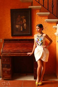 Mimosas Atelier boutique, custom designed corsets, dresses and lingerie in Playa del Carmen. Fashion Poses, Fashion Shoot, Fashion 2017, Latest Fashion Trends, Fashion Outfits, Fiesta Outfit, Mexican Outfit, Mexican Dresses, Traditional Mexican Dress