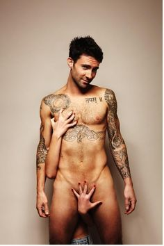 oh sweet jesus how I wish this was my hand;)