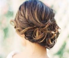 10 Easy Hairstyles For This Summer