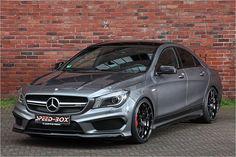Stehen die Felgen bei diesem Mercedes-AMG CLA 45 nicht perfekt in den Radhäusern?