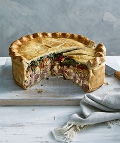 If youre looking for a classic Italian Easter Pie recipe (also called Pizza Rustica) the search is over. This baby is packed with more than two pounds of meat including sweet Italian sausage salami hot capicola smoked ham and prosciutto. Pizza Rustica, Italian Easter Pie, Pie Recipes, Cooking Recipes, Recipes Dinner, Salad Recipes, Sweet Italian Sausage, Smoked Ham, How To Make Pizza