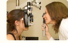 Esquiascopia ou retinoscopia: determina de forma objetiva a refração (ou grau) dos olhos.