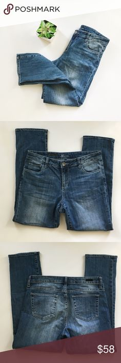 """Kut from the Kloth Reese Ankle Straight Leg Jeans Kut from the Kloth from Stitch Fix """"Reese"""" Ankle Straight Leg Jeans size 8! Super stretchy and looks cute cuffed! Inseam 27 inches, leg opening 7 inches, waist 16 inches, rise 9.5 inches. No stains or holes, smoke and pet free home! Offers welcomed! Kut from the Kloth Jeans Straight Leg"""