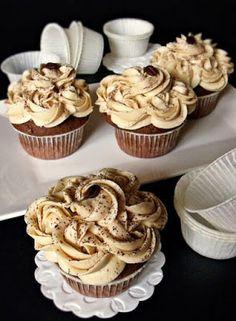 Gesztenyés muffin kávékrémmel - Kifőztük, online gasztromagazin Dessert Cake Recipes, Sweet Desserts, No Bake Desserts, Vegan Desserts, Torte Cake, Hungarian Recipes, Hungarian Food, Vegan Kitchen, Sweet Cakes