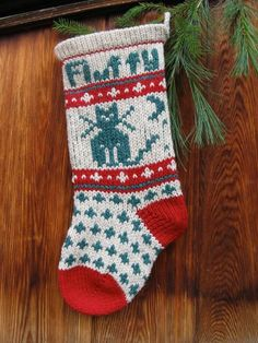 Pet CAT Christmas Stocking Pattern via Craftsy Christmas Stocking Pattern, Knitted Christmas Stockings, Knit Stockings, Christmas Knitting, Christmas Ornament, Christmas Animals, Christmas Cats, Christmas Projects, Xmas Crafts
