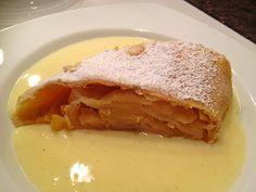 Uschis Wiener Apfelstrudel, ein sehr schönes Rezept aus der Kategorie Dessert. Bewertungen: 16. Durchschnitt: Ø 4,6.