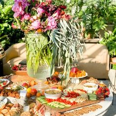 Grazing Table Gallery – Table & Thyme Mini Crab Cakes, Appetizer Recipes, Appetizers, Mimosa Bar Sign, Party Food Platters, Famous Chocolate, Grazing Tables, Food Displays, Brunch Party