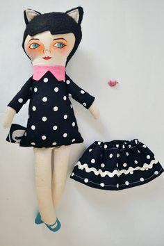 Niña Gata Negra / Muñeca de tela / Cloth doll por Mandarinasdetela / black cat doll