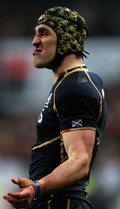 Scotland's Kelly Brown looks bemused Rugby League, Rugby Players, Scottish Rugby Team, Kelly Brown, Super Rugby, Six Nations, Rugby World Cup, Sports Stars, Sports Pictures