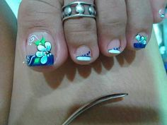 Gorgeous 40 French Nails With Flowers - isishweshwe Pedicure Designs, Pedicure Nail Art, Toe Nail Designs, Toe Nail Art, French Pedicure, French Nails, Gorgeous Nails, Pretty Nails, Cute Toe Nails