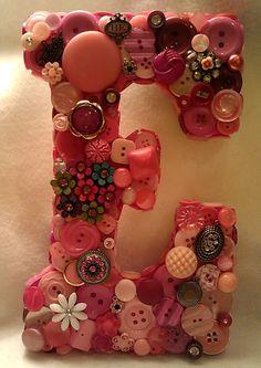 "CUSTOM 9"" Button Initial - Pink ""E"""