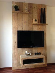 Wandmeubel van oud steigerhout 1x behandeld met blanke lak