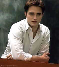 The place where Twilight will never die Vampire Twilight, Vampire Boy, Twilight Cast, Twilight Movie, Twilight Saga Series, Twilight Edward, Edward Bella, Edward Cullen Robert Pattinson, Robert Pattinson Twilight
