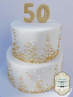 Ihmemaassa Ihmemaassa que Tarta Más Golden Anniversary Cake, 50th Anniversary Cakes, Parents Anniversary, Cookie Table Wedding, Wedding Cakes, 75 Birthday Cake, 50th Wedding Anniversary Decorations, Bolo Floral, Sprinkles Recipe
