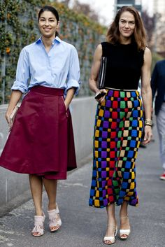 Street Style continues to be about the bold skirt, skinny or flared. #MFW