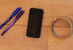 ブラックライトって何?を簡単に説明すると「クラブやパーティーなどのナイトシーンで、よく見かける紫色の光」だ。白い服を着ていると、ひかって見えるのはコイツの仕業。このブラックライト、実は簡単にできちゃうらしい。その作り方を紹介した動画が、海外で話題を呼んでいる。早速その作り方を紹介していこう!必要なのはiPhoneに2本のペン(青色と紫色)。そしてセロハンテープ(透明なモノに限る)だけ。(※動画では Women's Fashion, Black, Fashion Women, Black People, Womens Fashion, Woman Fashion, Feminine Fashion, Moda Femenina