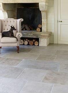 stone fireplace stone flooring   #pavimento #travertino #pietra #soggiorno #fireplace