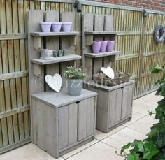 Garden cupboards which can be made from scaffolding wood or old pallets Pallet Furniture, Outdoor Furniture Sets, Outdoor Decor, Scaffolding Wood, Palette Deco, Garden Deco, Pallet Crafts, Pallet Ideas, Garden Care