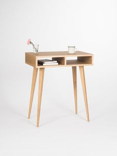 Entryway table, hallway table, small desk, with open shelf, made of oak wood Small Office Desk, Small Desks, Open Shelving, Shelves, Desk Storage, Tiny House Design, Diy Desk, Diy Table, Solid Oak