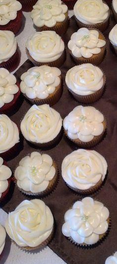 bridal shower cupcakes bridal shower cupcakes wedding cupcakes shower cakes bag cake